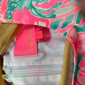 """Lilly Pulitzer Dresses - NWT Lilly Pulitzer """"Mila"""" Shift, Hot on that Scene"""